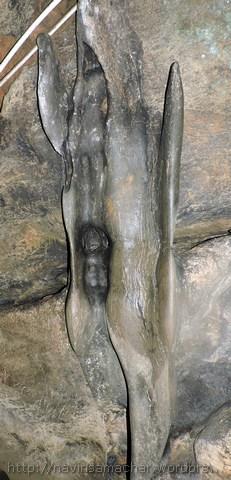पातालभुवनेश्वर गुफा का दृश्य