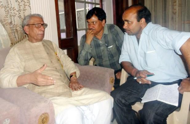 नामवर सिंह जी के साथ