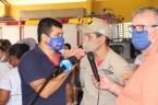 Prefeita Rhaiza Matos, vereadores Ricck e Regivan, e gerentes municipais participaram da vacinação de policiais civis, militares e bombeiros de Naviraí (18)