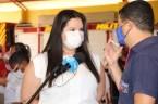 Prefeita Rhaiza Matos, vereadores Ricck e Regivan, e gerentes municipais participaram da vacinação de policiais civis, militares e bombeiros de Naviraí (7)
