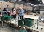 Lideranças de Naviraí durante visita a fábrica de móveis escolares em Tanabi (10)