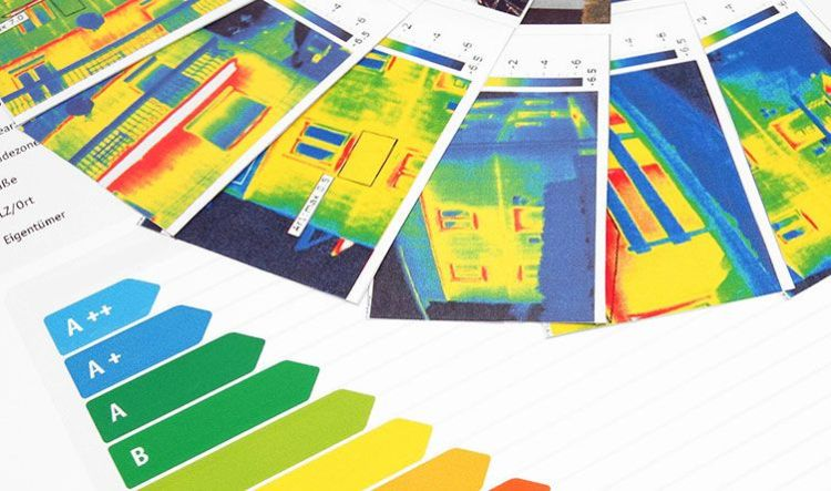 фотознімки будівлі з різних ракурсів тепловізором.