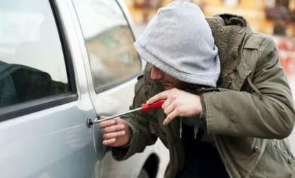 Попытка взлома автомобиля