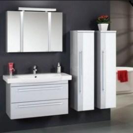 Выбираем недорогой навесной шкаф для ванной