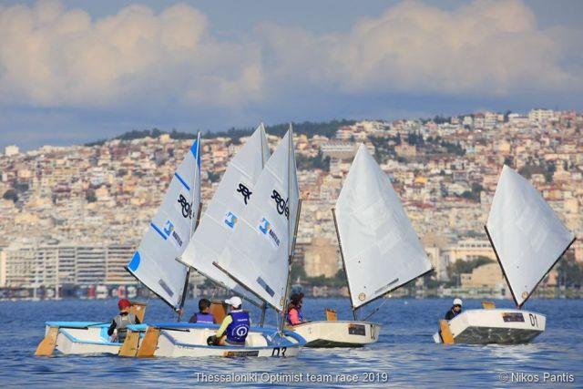 """Συνεχίζεται στο Ναυτικό Όμιλο Θεσσαλονίκης το """"Thessaloniki Optiomist Team Race 2019"""""""