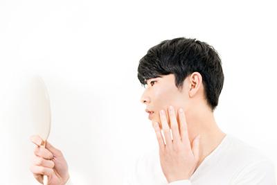 .jpg?fit=400%2C267&ssl=1 - 脱毛するなら毛抜きによる自己処理はNG!毛抜きによる肌トラブルを知ろう