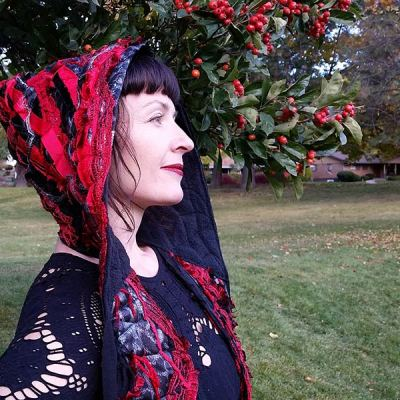 Sarah-red-black-hooded-scarf