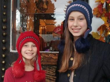 Pom-Hat-Models-Blue-Red