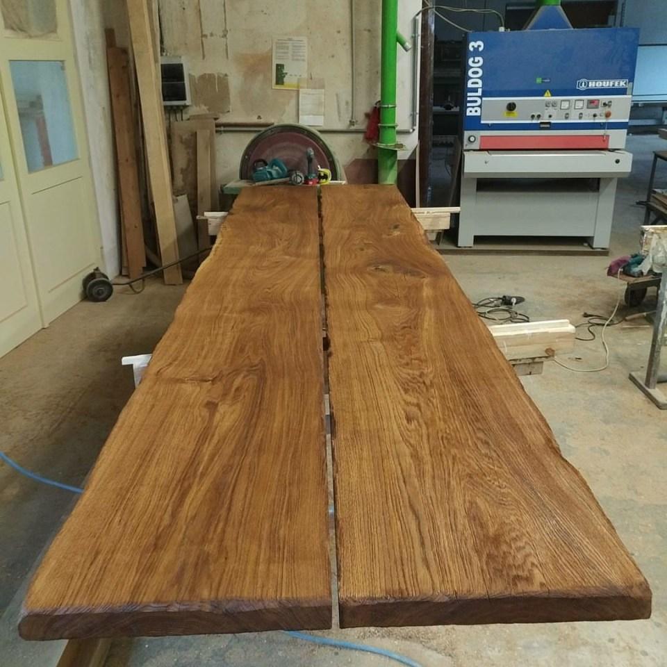 Rustikální dubový jídelní stůl