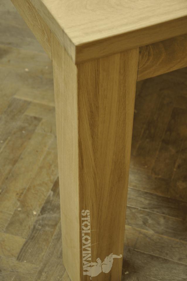 Velký dubový jídelní stůl
