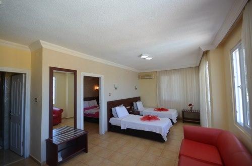 Mersin-Kızkalesi-Park-Admiral-Hotel-suit-oda