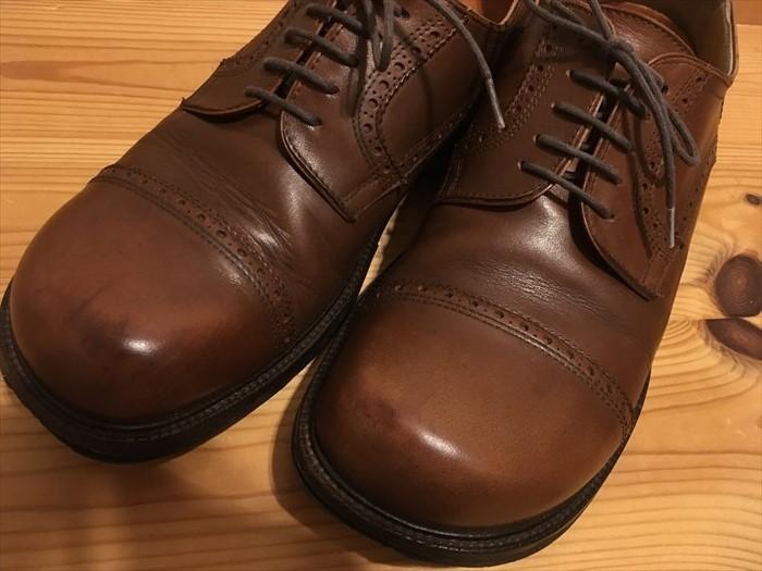 27ビルケンの革靴がツヤツヤ