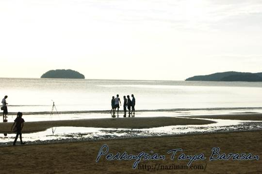 Wordless Wednesday #2 – Pemandangan pantai Tanjung Aru