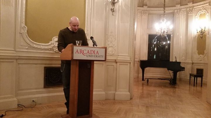 Alumni Professor visits Arcadia University