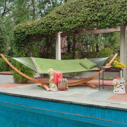 sq-weave-ltgrn-lifestyle-hatteras-hammocks-softweave-hammock-xx.jpg