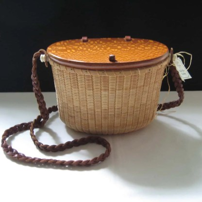 Lacewood shoulder purse basket