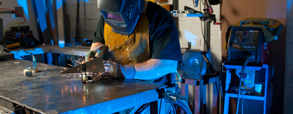 A welder with a disability in Phoenix, AZ