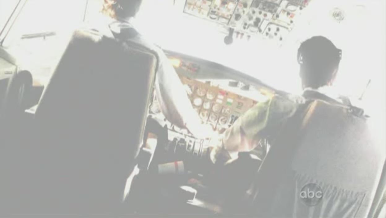509-frank-plane-flash-01