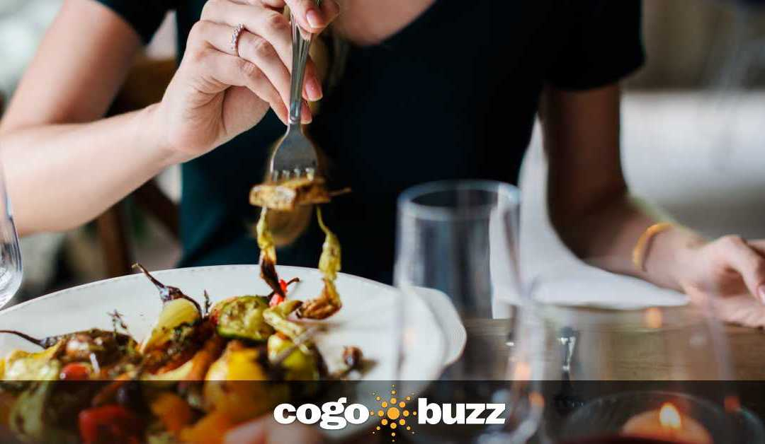 "Reader's Digest: ""3 Secrets Restaurants Use to Make You Eat More"""