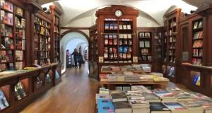 A Bertrand do Chiado é a livraria mais antiga do mundo
