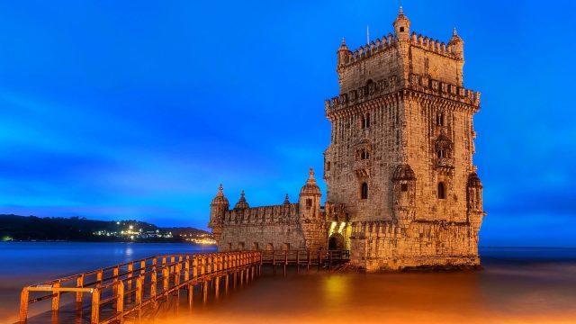 'Todo o mundo está a visitar Portugal': Britânicos explicam porquê