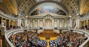 Saiba quais os deputados que faltam mais vezes no Parlamento