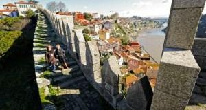 Descobrir um velódromo escondido, caminhar na muralha Fernandina ou visitar a 10 segredos para descobrir na Baixa do Porto