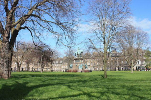 Praça Charlotte em Edimburgo, Escócia