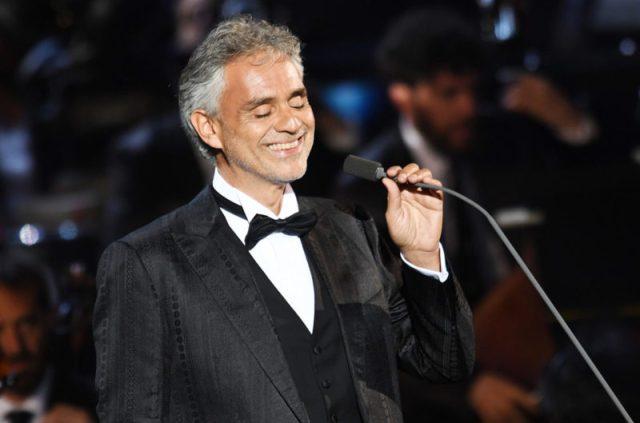 Andrea Bocelli e Ana Moura em Fátima a 13 de maio