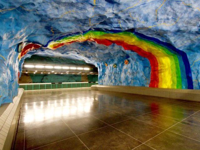 09 Estação do Estádio, Estocolmo, Suécia - © Wikimedia Commons