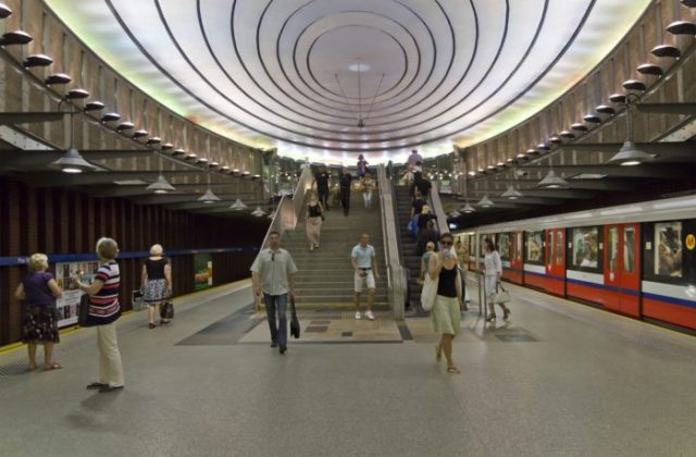 12 Estação de Plac Wilsona, Varsóvia, Polónia - © A.Savin