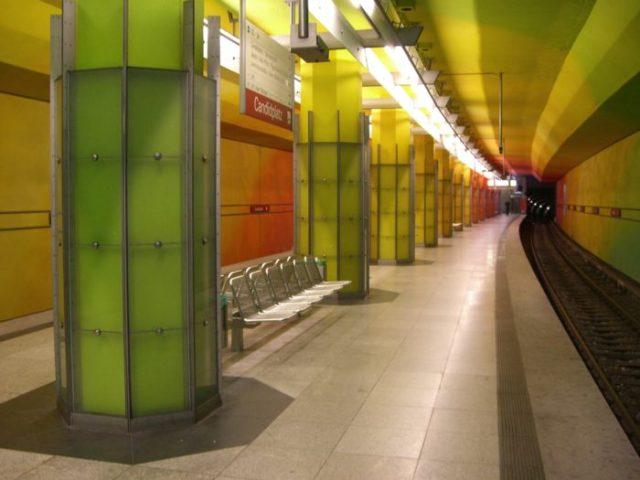 23 Estação de Candidplatz, Munique, Alemanha - © Wikimedia Commons