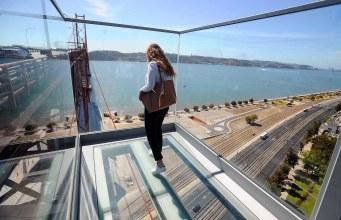 80m de altura! O Arrepiante Miradouro Ponte 25 Abril