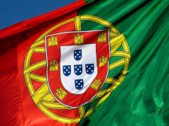 «Portuguesas e Portugueses» um erro e uma estupidez