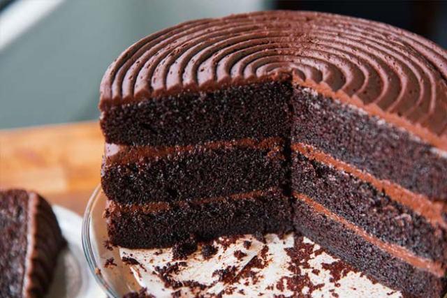 bolo de chocolate fofinho e caseiro