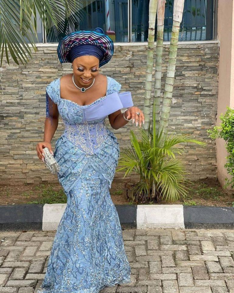 asoebi styles sweetheart corset dress with details