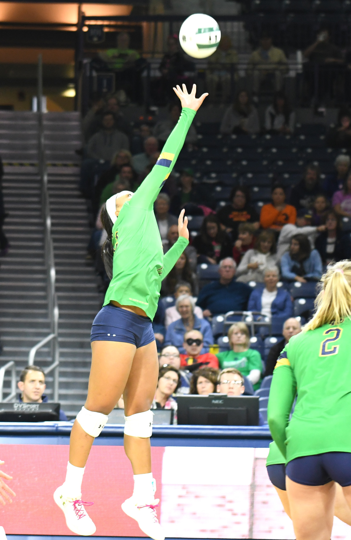 Notre Dame led by Caroline Meuth en route to two wins in Golden Dome Invitational