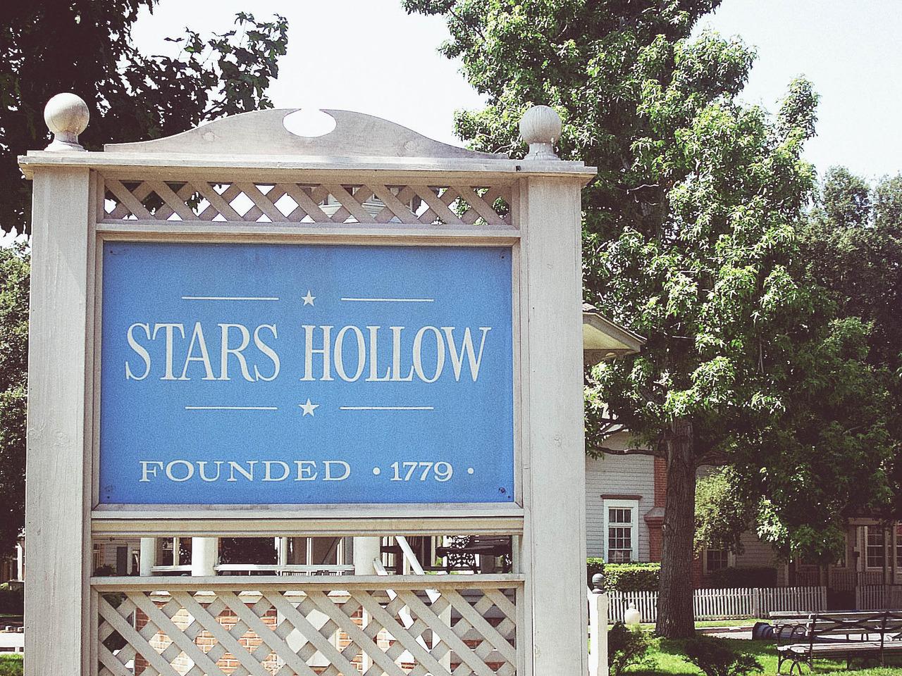 https://i1.wp.com/ndsuspectrum.com/wp-content/uploads/2016/10/Stars-Hollow_Sierra-Shupe.jpg