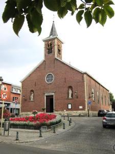 Confirmations et premières communions @ Saint-Julien