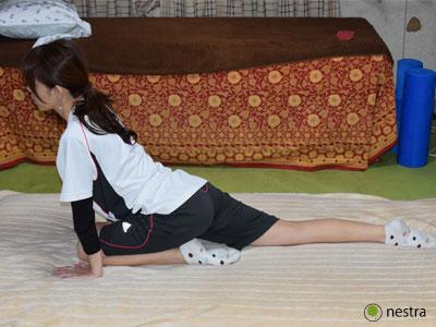寝起き腰痛股関節ストレッチ3