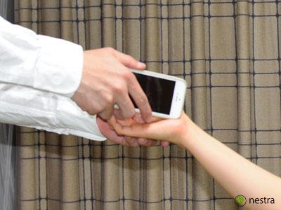 手根管症候群検査チネルサイン2