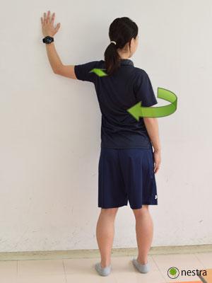 手の腱鞘炎-壁ストレッチ4