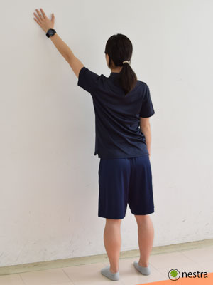 手の腱鞘炎-壁ストレッチ1