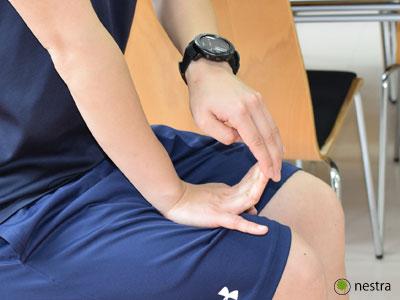 手の腱鞘炎-指反らせ2