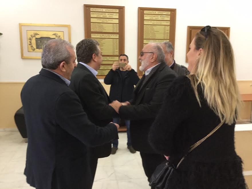 0-2-4 Συνάντηση Αρναουτάκη με τον πρ. Υπουργό Π. Κουρουμπλή