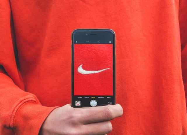 Wat is een merkambassadeur voor sociale media en hoe u deze kunt gebruiken voor influencer-marketing?