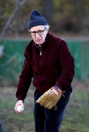 Photo of Woody Allen in the 2013 movie FADING GIGOLO.