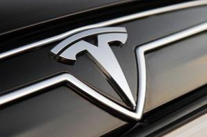 To Logo του ηλεκτρικού Tesla των ΗΠΑ