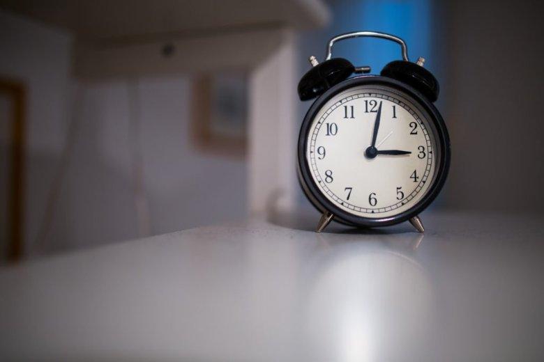 Dlaczego warto wstać godzinę wcześniej?