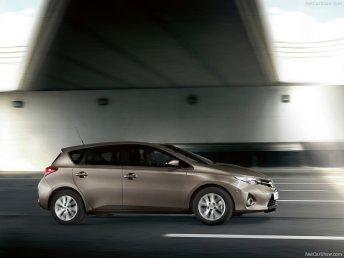 Toyota-Auris123456